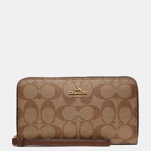 Coach large phone wallet - Authentic
